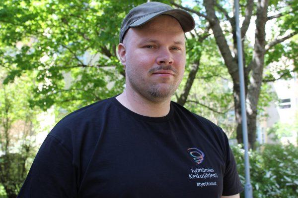 Jukka Haapakoski ulkona, kevät